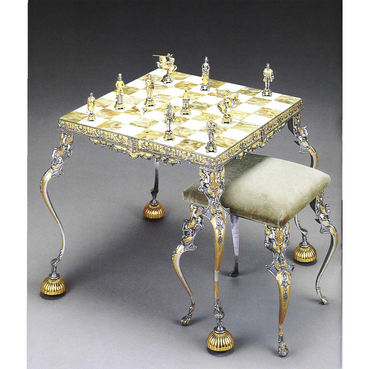 Medioevale Secolo XIII Onyx Chess Table and Stool