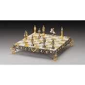 Lillipuziani (Lilliputians) Gold and Silver Theme Chess Set