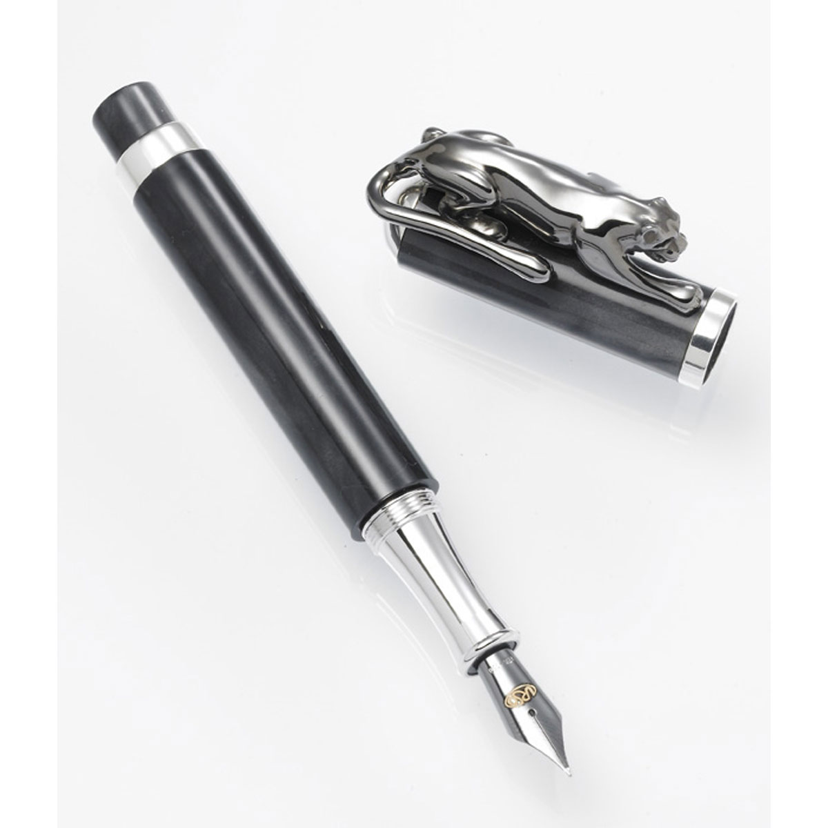 Urso Panther Collection: Black Panther Fountain Pen - Limited Edition