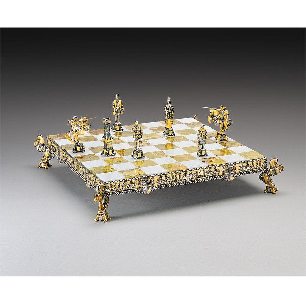 King Arthur and Queen Guinevere Camelot Chess Set | Gold & Silver