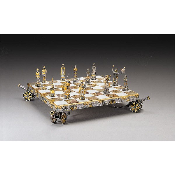 Napoleone vs Prussian Soldiers Gold and Silver Themed Chess Set