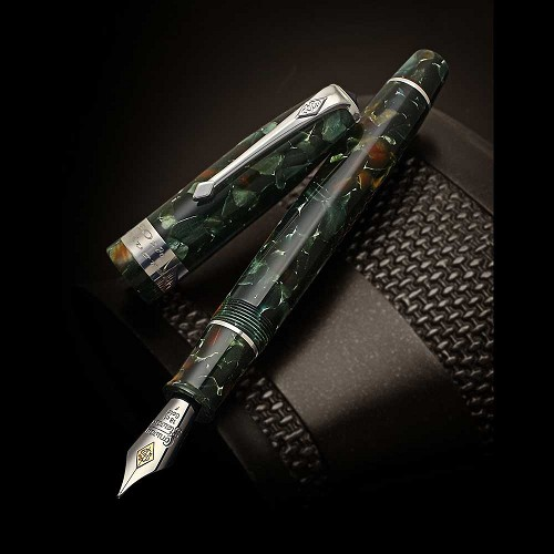Conway Stewart 100 Series Pistachio Fountain Pen - 60th Anniversary 100 Series Special Edition.