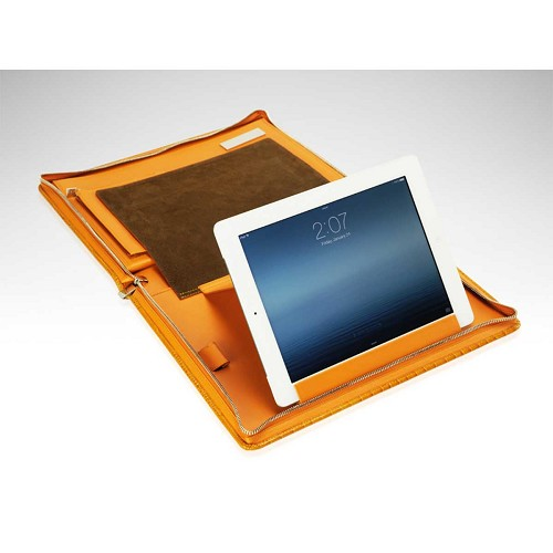 Paolo Guzzetta Chutney Mini Crocodile Travel Desk is a luxury portfolio case with storage for a iPad/tablet.