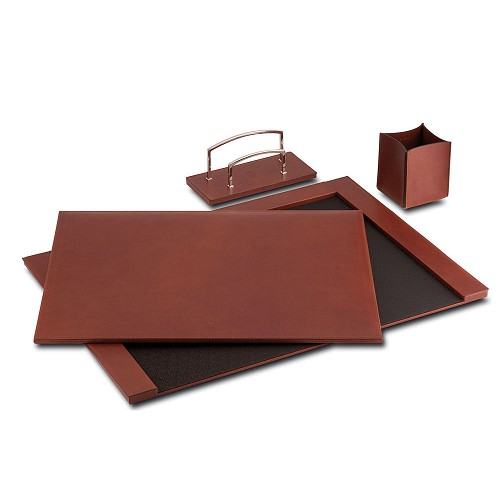 Pineider Power Elegance Leather 3-Piece Desk Set is, available in Black or Reddish Brown, is handmade and crafted in supple Tuscan calfskin.