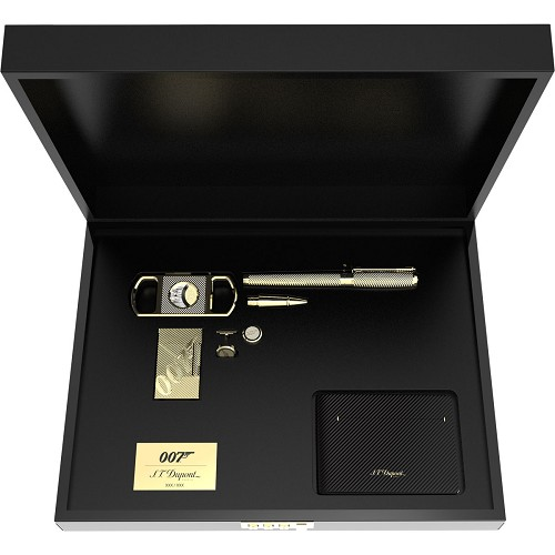James Bond 007 Limited Edition gift set with yellow gold guilloche finish.