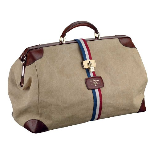 Bogie: An iconic weekender bag, based on the original design created for Humphrey Bogart in 1947.